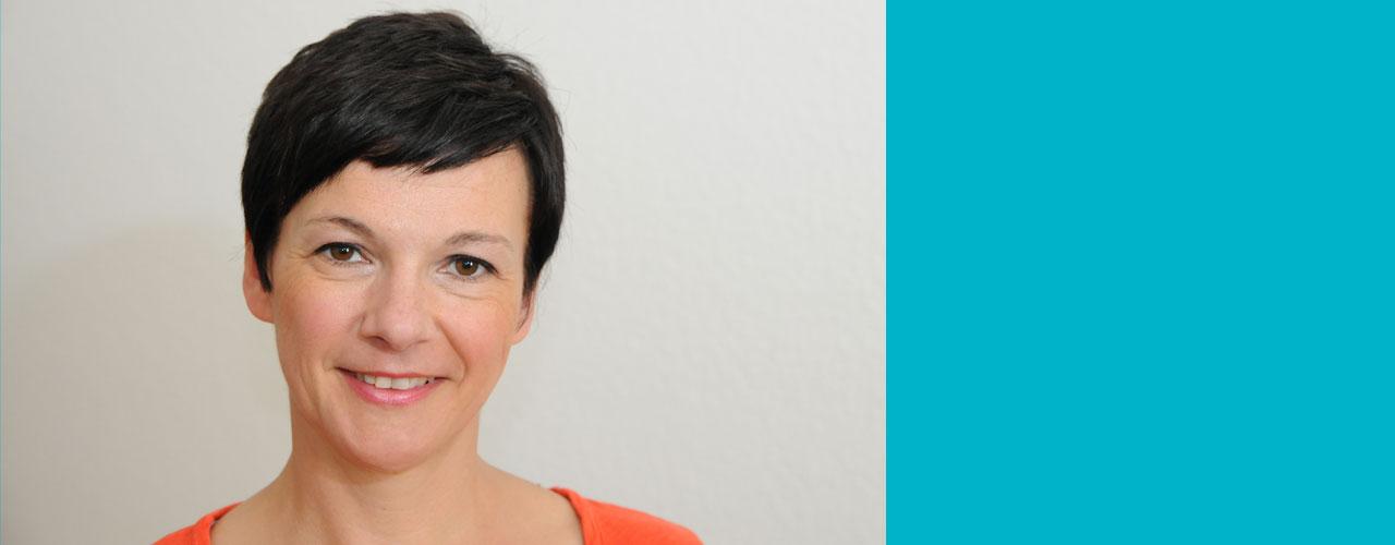 Psychotherapeutische Praxis für Kinder, Jugendliche und Erwachsene Dr. Dipl.-Psych. Nina Spröber-Kolb Psychologische Psychotherapeutin (VT) Supervisorin Arnulfstraße 4 89231 Neu-Ulm tel 0731.20 77 667 info@praxis-sproeber.de www.praxis-sproeber.de